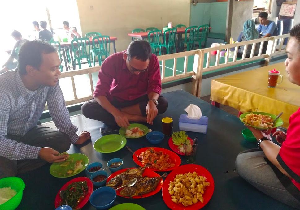 Kuliner Ikan Bakar di Muara Angke