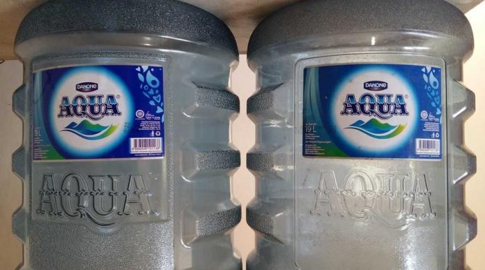 Mandi Pakai Air Aqua Galon