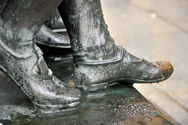 Tampil Gaya Dengan Sepatu Crocodile